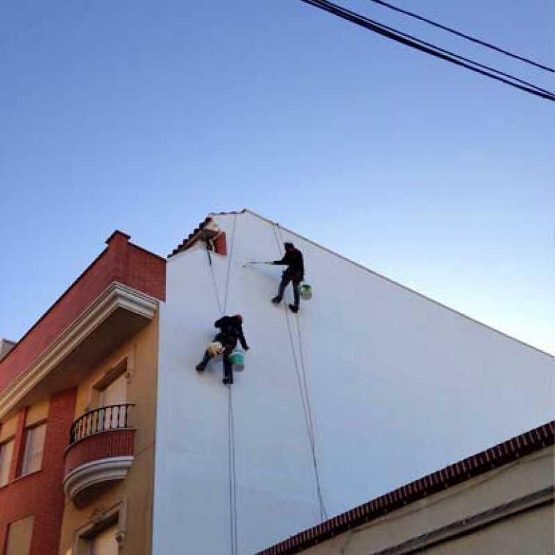 Impermeabilización de hastial en edificio