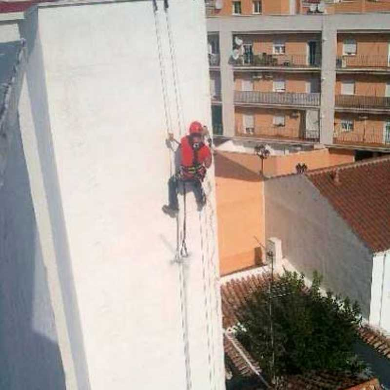 Reparación de hastial en edificio